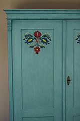 Nábytok - Folklórna skriňa - 9062555_