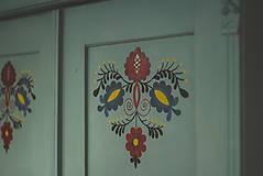 Nábytok - Folklórna skriňa - 9062559_
