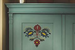 Nábytok - Folklórna skriňa - 9062562_