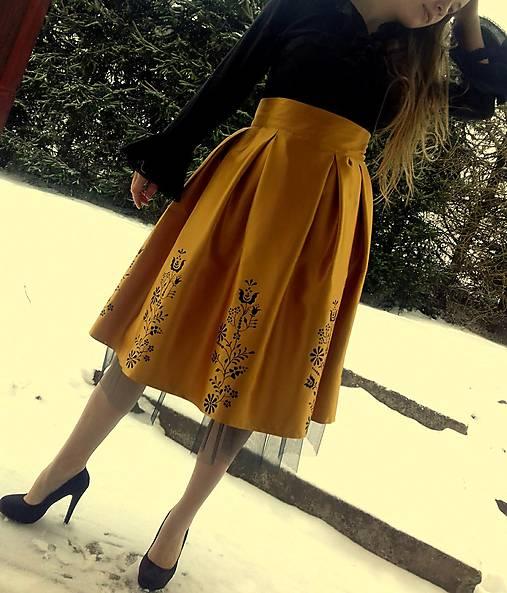 e12ad42456dc Ručne maľovaná sukňa   FolkJarka - SAShE.sk - Handmade Sukne