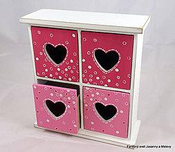 Krabičky - štvoršuplíková skrinka Červená so srdiečkami - 9062933_