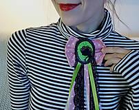Odznaky/Brošne - Vlasy kvetmi vyšívané - 9067246_