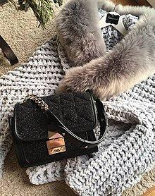Svetre/Pulóvre - ležérny sveter s kožušinou šedomodrý - 9064470_