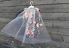 Detské oblečenie - Šaty s vlečkou - kvetované - 9064118_