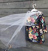 - Šaty s vlečkou - kvetované - 9064119_