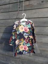 Detské oblečenie - Šaty s vlečkou - kvetované - 9064120_