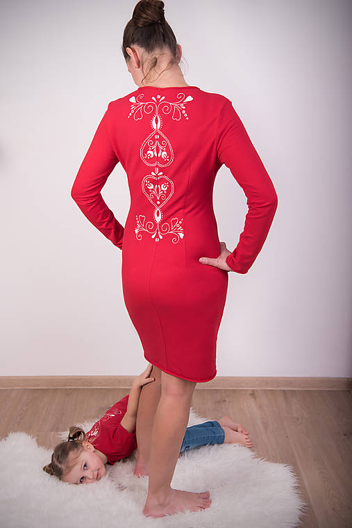 c29b3504e5f Červené šaty - folk   miracles.style - SAShE.sk - Handmade Šaty