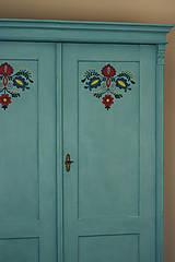 Nábytok - Folklórna skriňa - 9064973_