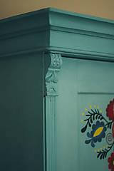 Nábytok - Folklórna skriňa - 9064985_
