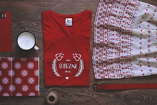 Tričká - Som ľúbezná deva (červené tričko) - 9067177_