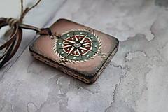 Náhrdelníky - Amulet - Ďaleko cestujem - 9070517_