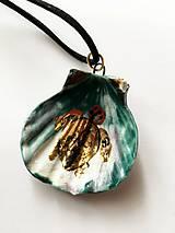 Náhrdelníky - porcelánová mušľa korytnačková - 9069634_