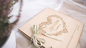 Papiernictvo - Drevená svadobná kniha hostí (50 listov 300g matný (na lepenie fotiek)) - 9070264_