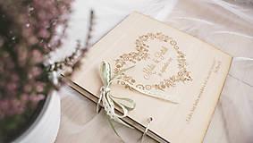 Papiernictvo - Drevená svadobná kniha hostí (50 listov 300g matný (na lepenie fotiek)) - 9070265_