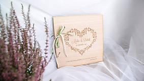 - Drevená svadobná kniha hostí (25 listov 300g matný (na lepenie fotiek)) - 9070310_
