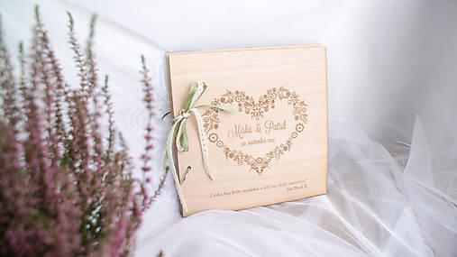 Drevená svadobná kniha hostí (50 listov 300g matný (na lepenie fotiek))