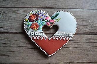 Dekorácie - Valentínsky medovník v ľudovom - 9073085_