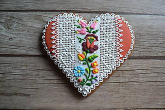 Dekorácie - Valentínsky medovník v ľudovom - 9073109_