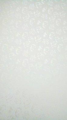 Papier - perleťový papier strieborný s tlačeným vzorom ruží, A4 - 9069734_