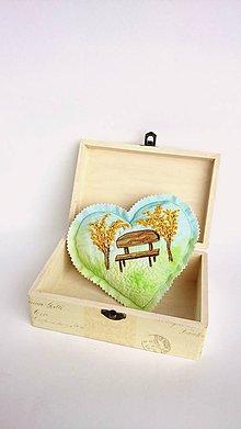 Dekorácie - Srdce vyšívané nielen na Valentína - zlatý dážď - 9074562_