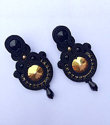 Náušnice - Ručne šité šujtášové náušniče / Soutache earrings  - Swarovski (Kylie - čierna/zlatá) - 9075348_