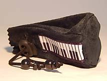 Peňaženky - M006 kožený meštek čierny s tmavozeleným odtieňom - 9076782_