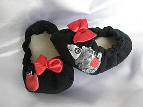 Topánočky - Čierne balerínky s ježkom - 9075319_