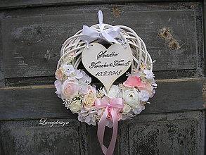 Dekorácie - svadobný veniec: so srdiečkom - 9073939_
