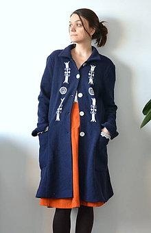 Kabáty - Vlnený kabát s výšivkou a čipkou - 9082161_