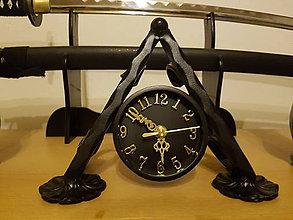 Hodiny - kovové hodiny PYRAMÍDA - 9081700_