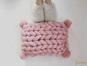 Úžitkový textil -  Merino vankúš POM POM - 9079939_