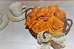 Dekorácie - Košík plný kvetín - 9080565_