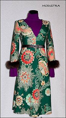 Šaty - Šaty s výstrihom - 9082606_