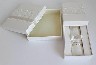 Svietidlá a sviečky - Sviečka na krst a krabička na košieľku. - 9081758_