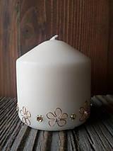 Svietidlá a sviečky - Parafínova sviečka zdobená - 9081549_
