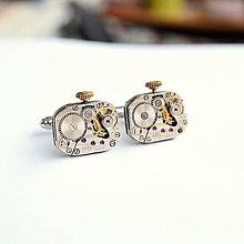 Šperky - Strojkové manžetové knoflíčky s korunkou - 9083052_