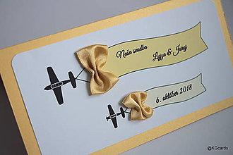 Papiernictvo - Svadobné oznámenie lietadielkové s mašličkami (10,5x20 - Zlatá) - 9085502_