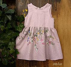 Detské oblečenie - Detské staroružové šaty s lúčnymi kvetmi - 9085737_