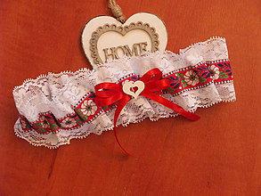 Bielizeň/Plavky - Č. 20 Folklórny svadobný podväzok 6cm s bielym srdcom - 9084575_