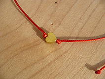 - jednoduchý šnúrkový náramok so srdcom (Červená) - 9088306_