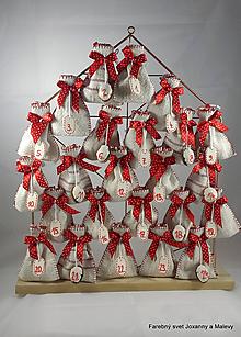 Dekorácie - adventný kalendár Červený bodkovaný z plátna - 9088968_
