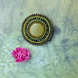 Odznaky/Brošne - Olive - vyšívaná brož - 9091836_
