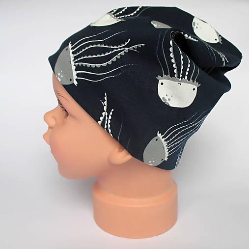 detská bavlnená čiapka (čierno-biela s medúzami)