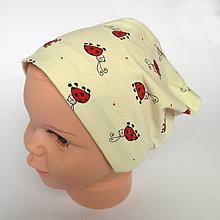 Detské čiapky - detská bavlnená čiapka (béžová s lienkami) - 9094245_