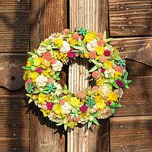 Dekorácie - Sušený venček na dvere - 9091433_