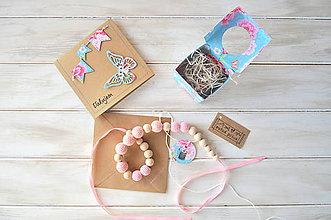 Náhrdelníky - sada, háčkovaný náhrdelník+pozdrav, v ružovej farbe - 9095377_