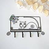 - vešiak mačka s motýlikom  - 9096301_