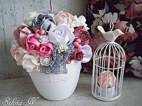 Dekorácie - Kvetnáč - ruže zo saténových stúh. - 9095888_