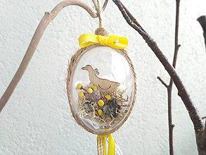 Dekorácie - Veľkonočné žlté vajíčko s kačkou - 9099386_