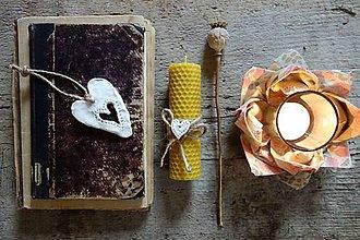 Svietidlá a sviečky - sviečka z včelieho vosku stredná- pre zaľúbených - 9096237_